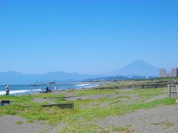 辻堂海岸から見た富士山.JPG